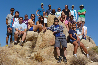 Students go hiking at the Annual UCSD/Salk Retreat