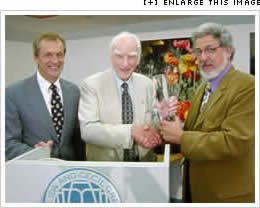 Dr. Francis Crick accepting the Lifetime Acheivement Award, click for larger picture